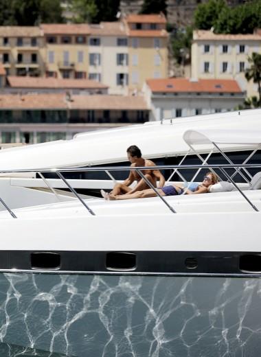 Надувная лодка: как акулы яхтенного бизнеса обманывают миллиардеров