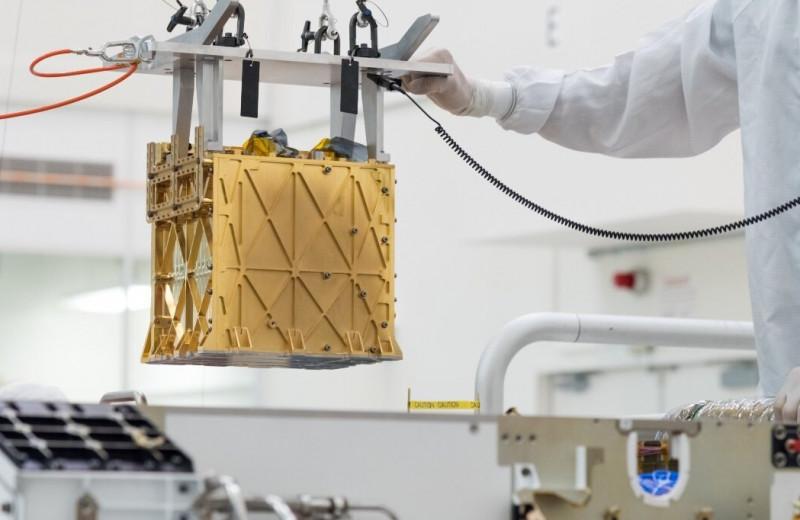 Марсоход NASA стал первым, кто добыл кислород из марсианской атмосферы