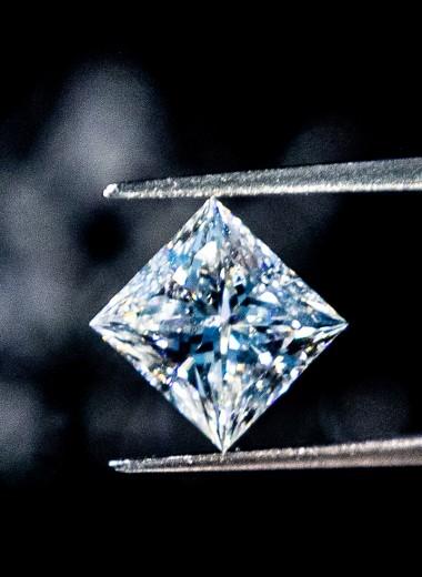 Удары судьбы: почему бриллианты переживают не самый блестящий период