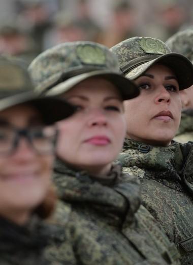 Военные и топ-менеджеры держат карман шире
