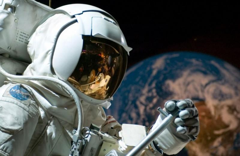 Что происходит с человеком в космосе?