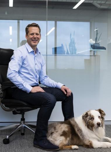 «Пушистый директор»: почему сотрудникам Ford разрешили приводить на работу собак
