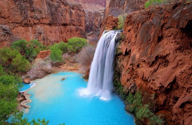 16 невероятных водопадов мира, от которых может снести крышу (в прямом смысле)
