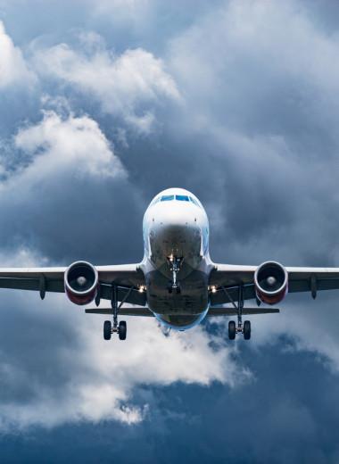 Половина выбросов CO2 приходится всего на 1% пассажиров самолетов — исследование