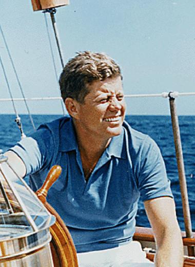 От королевы Виктории до Джона Кеннеди: почему яхтенный стиль не выходит из моды уже несколько столетий