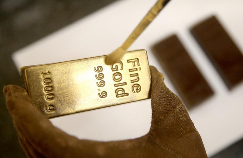 Золотой щит: почему растет спрос на металлические счета в банках