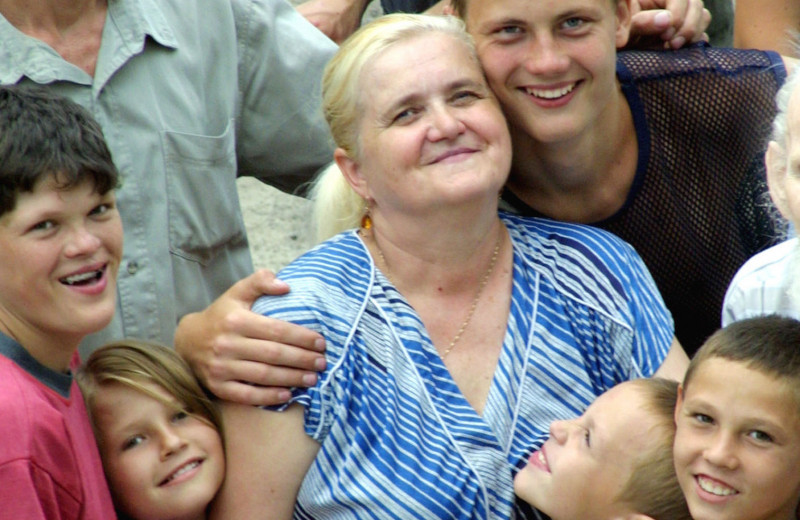 82 ребенка, лишь двое родные, есть «буйные»: самая многодетная семья России