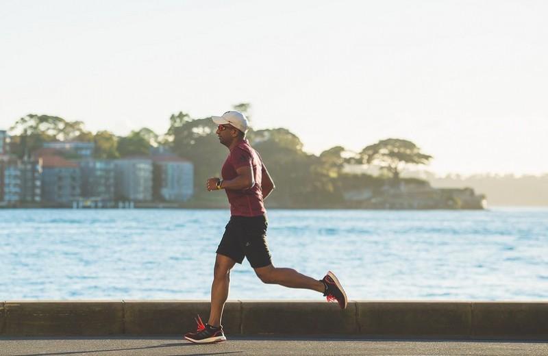 Как правильно бегать в жару? 5 советов от экспертов