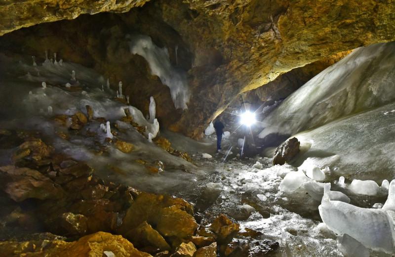 Отпуск экстремала и спелеолога: самые таинственные и привлекательные для туризма пещеры Забайкалья