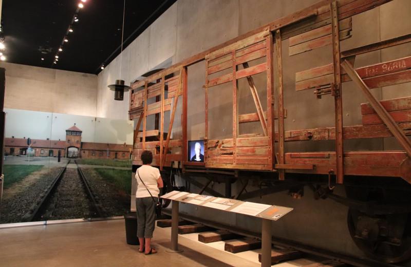 Как придумать музей Холокоста
