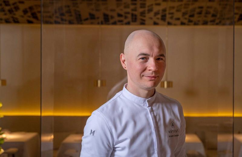«Жизнь меня все время возвращает на кухню». Шеф ресторана Artest про судьбу, музыку и вареную картошку с укропом
