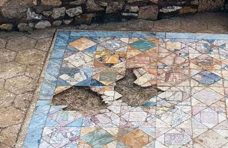 В центре французского города нашли римский особняк с мраморной мозаикой и системой отопления