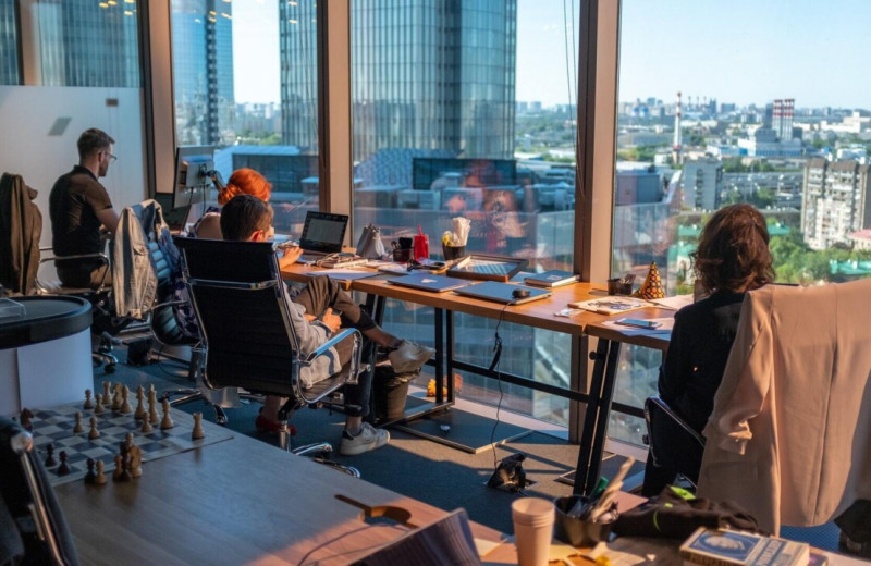 «Вместо того чтобы выращивать профессионалов, они ноют в подкастах»: мнение разработчика о найме в компаниях