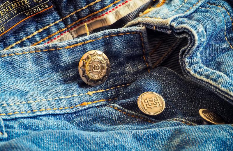 Микроволокна синих джинсов обнаружили в воде на всей территории Канады