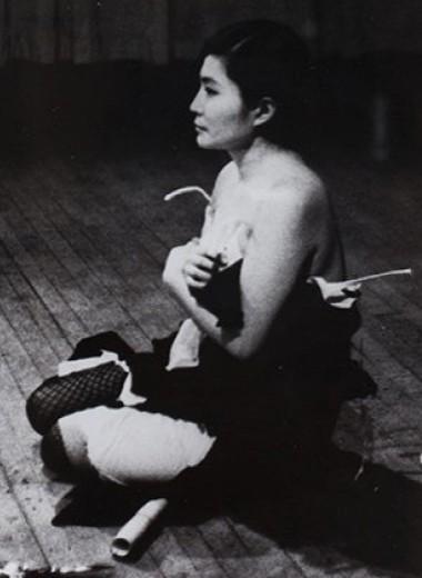 Чем Йоко Оно знаменита как художница