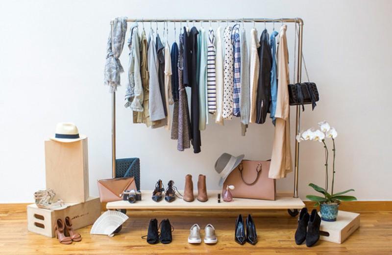 Базовый гардероб: за и против