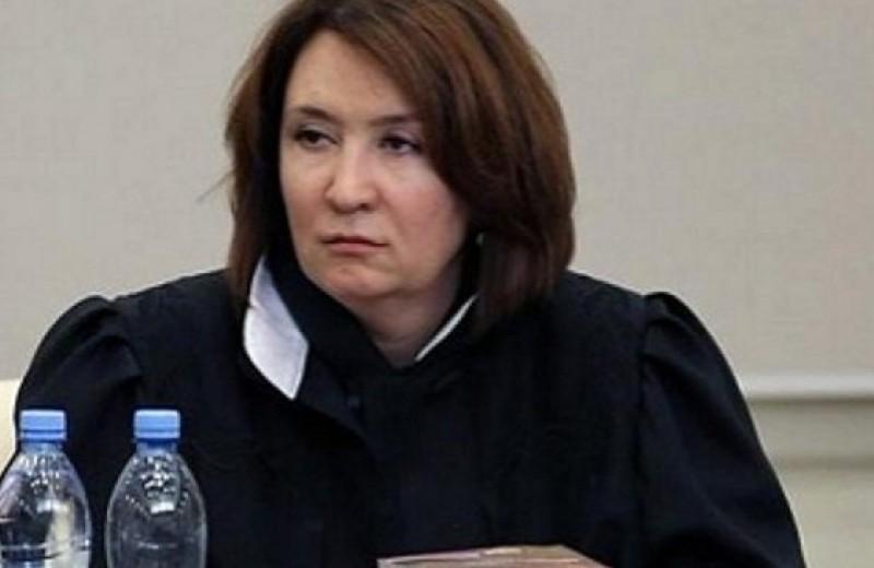 Лучшие шутки о «золотой судье» Хахалевой, которая никогда не имела юридического образования
