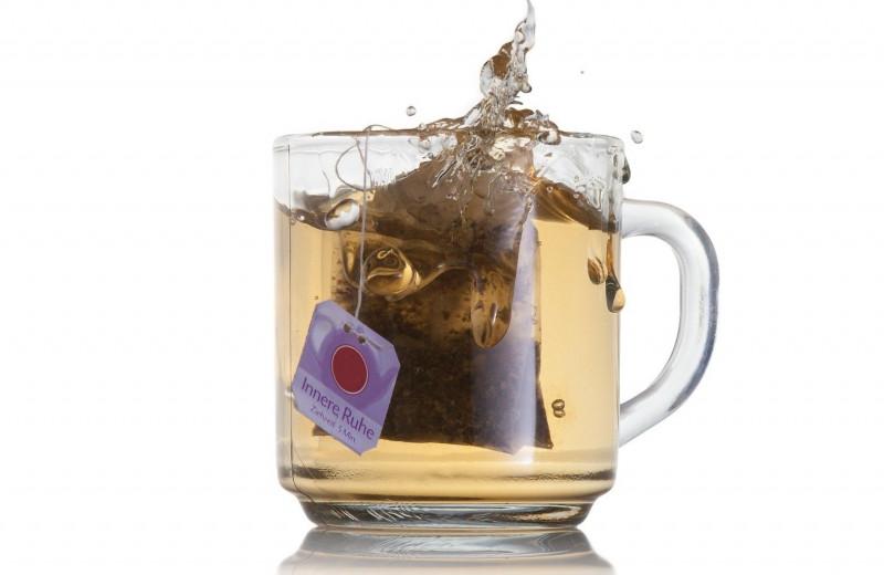 """Проблема чайного пакетика: почему чай """"сбегает"""" из чашки"""