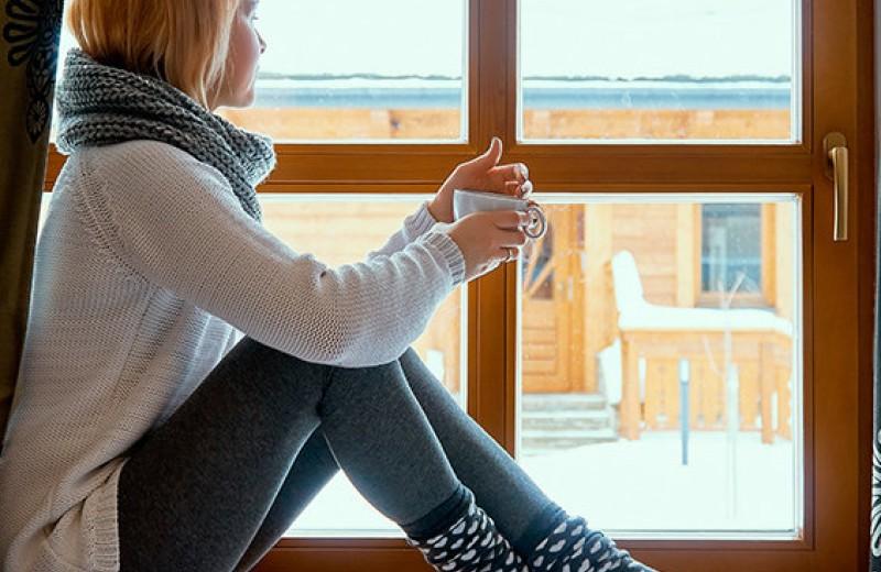 Как утеплить окна дома и не бояться зимней стужи