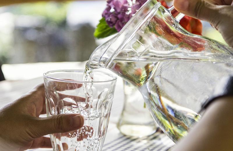 Пытки водой отменяются: восемь стаканов в день и другие мифы о потреблении воды