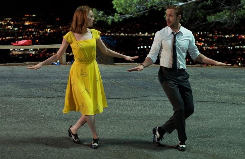 12 ситуаций, которые почему-то постоянно случаются в кино, но никогда — в реальной жизни