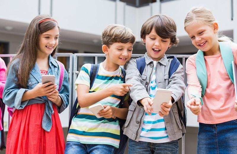 Выбираем телефон для ребенка 7-8 лет в школу: смартфоны и не только…