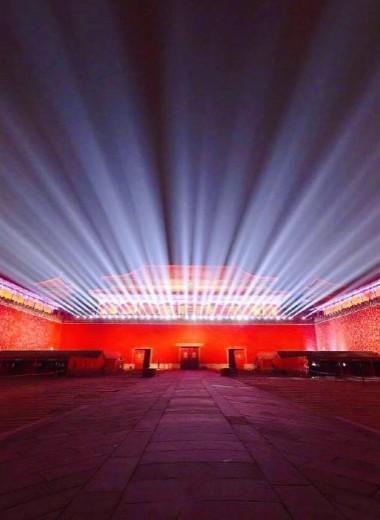 Запретный город впервые за сотню лет открылся для посетителей ночью: фото и видео