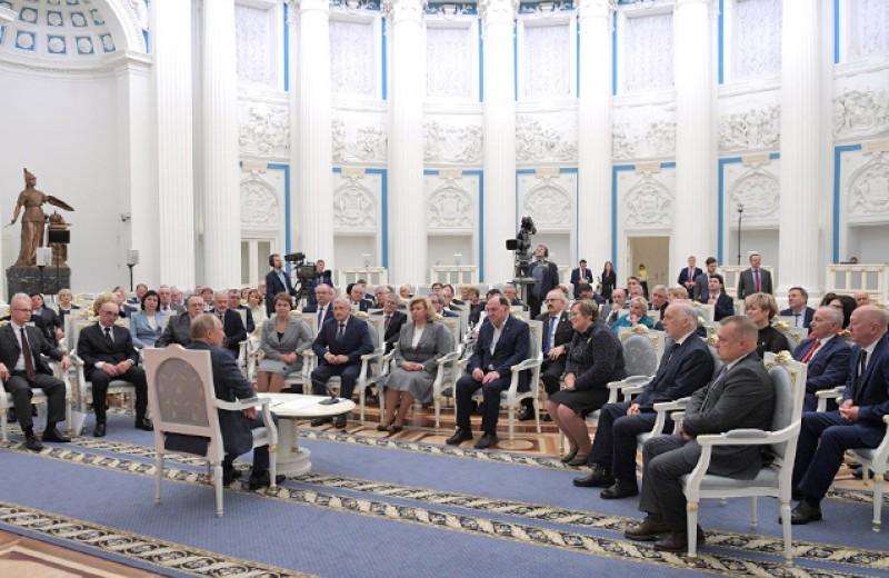 Правильные права для российских людей. Как мы можем помочь президенту истолковать Конституцию