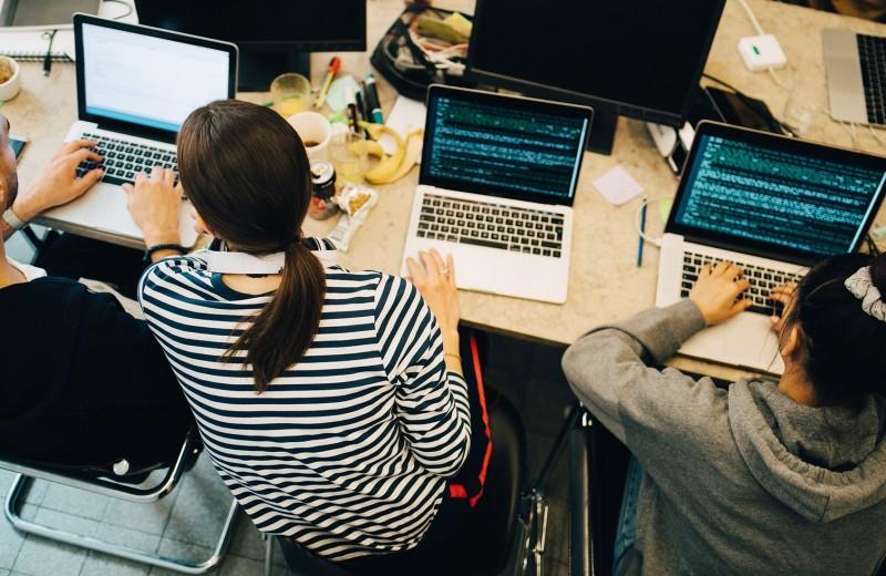 Цифровой прорыв: как компании привлекают женщин в ИТ