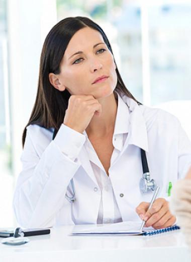 Никакой самодеятельности: косметические проблемы, с которыми нужно идти к врачу