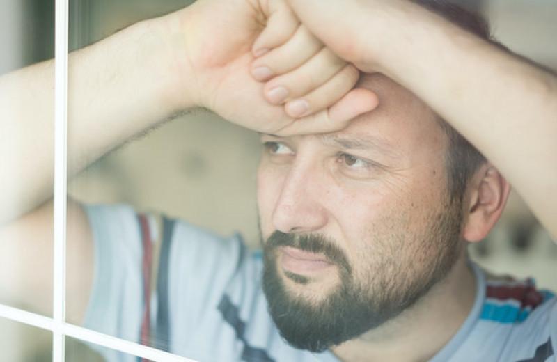 Причины для развода: проблемы в отношениях или личностный кризис?