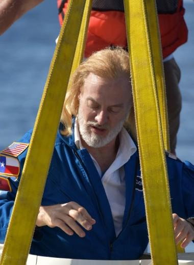 72 000 метров под водой: бизнесмен-экстремал побывал в самых глубоких точках всех океанов