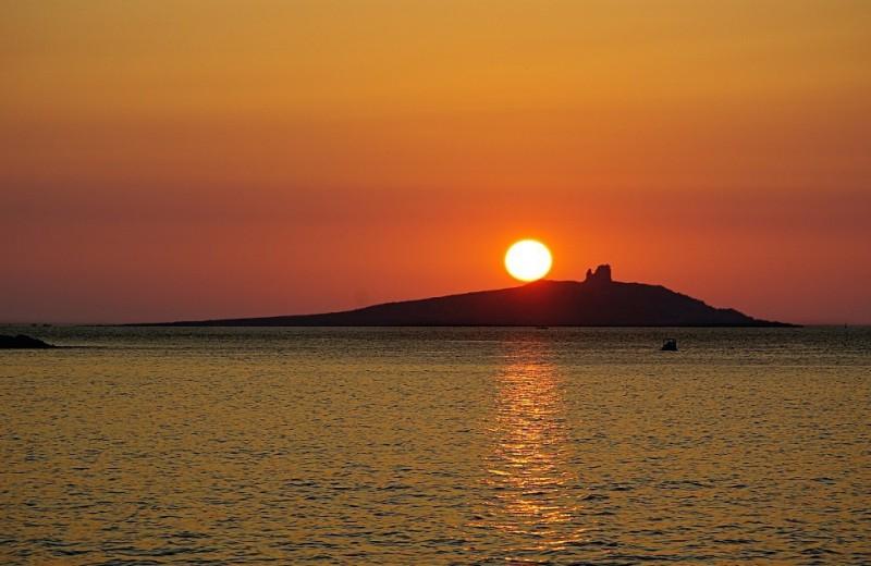 Остров женщин продаётся за миллион евро
