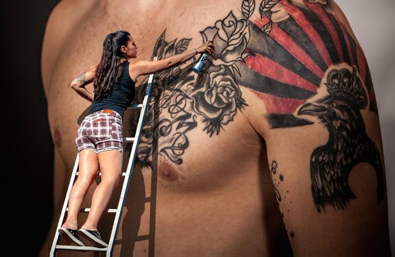 Человек в картинках: как татуировки помогают от депрессии