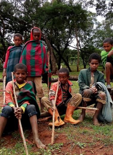 Одна вокруг света. Чем опасны для туристов эфиопские дети