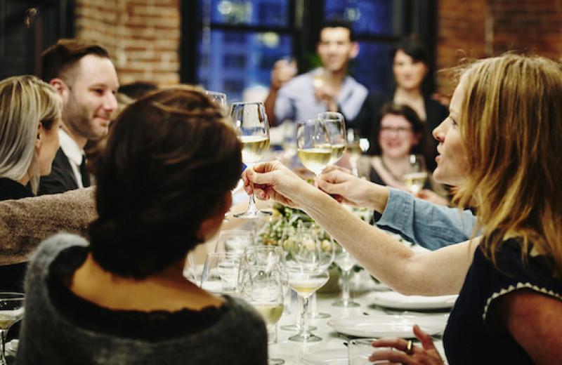 Ваши друзья не пьют алкоголь? Не говорите им эти 7 фраз