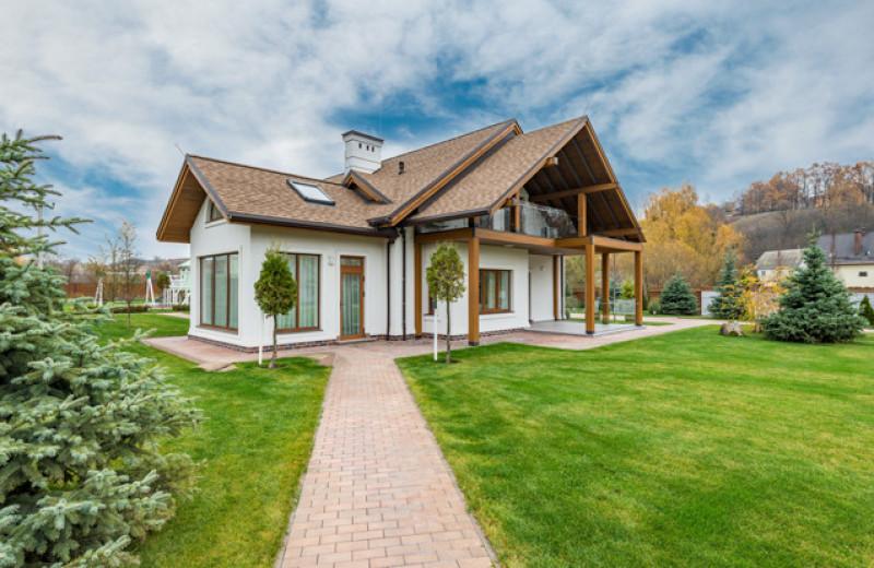 Как выбрать загородный дом: для себя и для инвестиций