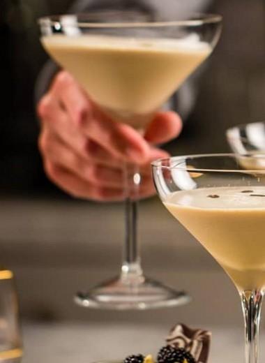 С чем пьют ликер бейлиз? 5 лучших сочетаний для уютного вечера или романтичного свидания