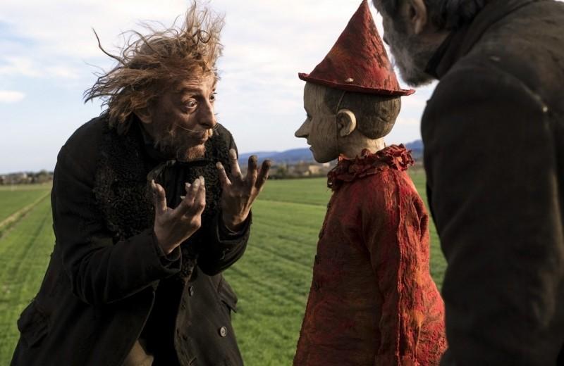 Новая экранизация «Пиноккио» отрежиссера «Догмэна» Маттео Гарроне — немного дубовая, но очень человечная версия сказки Карло Коллоди