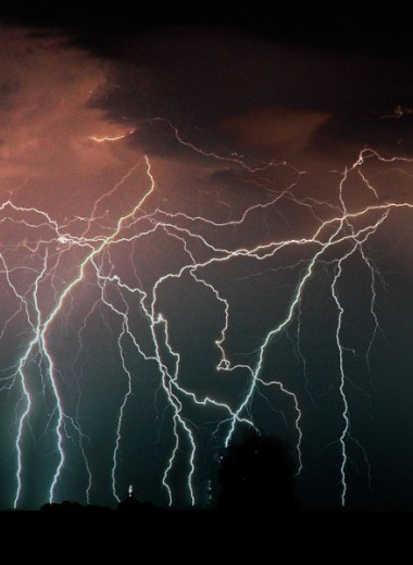 Молнии близ венесуэльской реки Кататумбо бьют около 200 раз в год