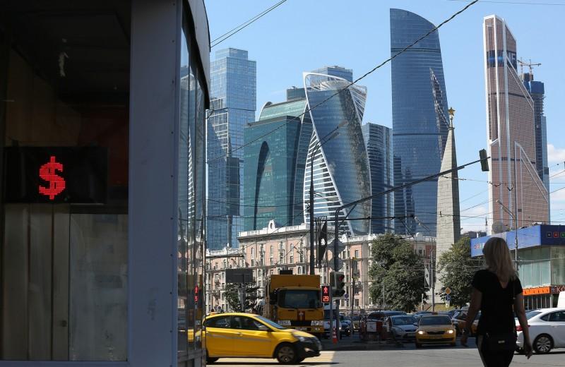 Дедолларизация в интересах Китая и ЕС: кто реальные бенефициары борьбы России с долларом