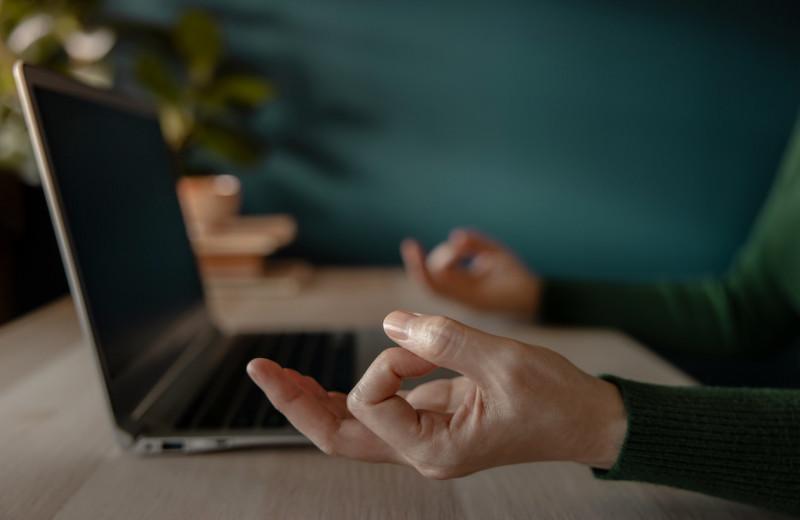 Практики осознанности на работе могут навредить психике сотрудников, показало исследование