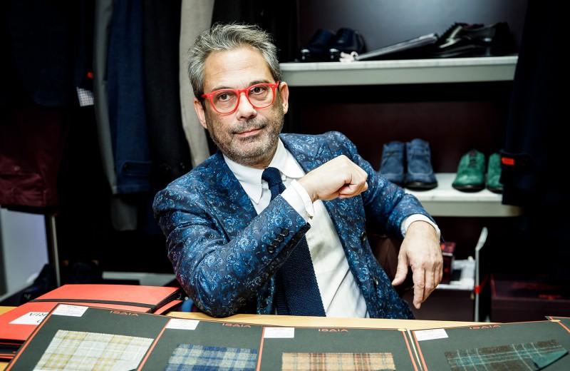 «Бросать людям вызов — всегда хорошая мысль»: глава бренда Isaia о новой мужской моде