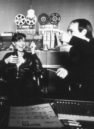 Музыка в гараже, церкви и фургоне: как создавались студии, где записывали Queen, The Rolling Stones и Oasis
