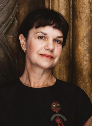 «Пока мы только спасаем свои жизни»: Марина Лошак в беседе с Ириной Мак