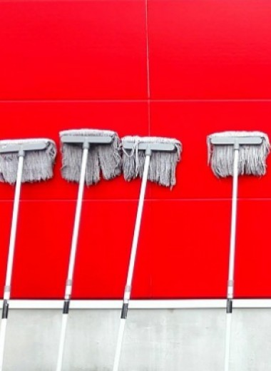 Как убрать квартиру быстро ичисто: 16 лайфхаков для лентяев