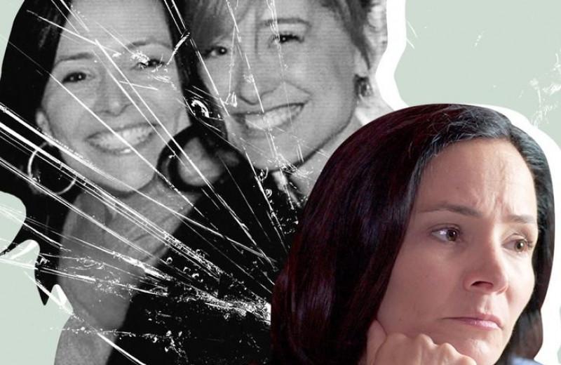 Как NXIVM заставил голливудских звезд и влиятельную элиту Америки стать частью жестокого