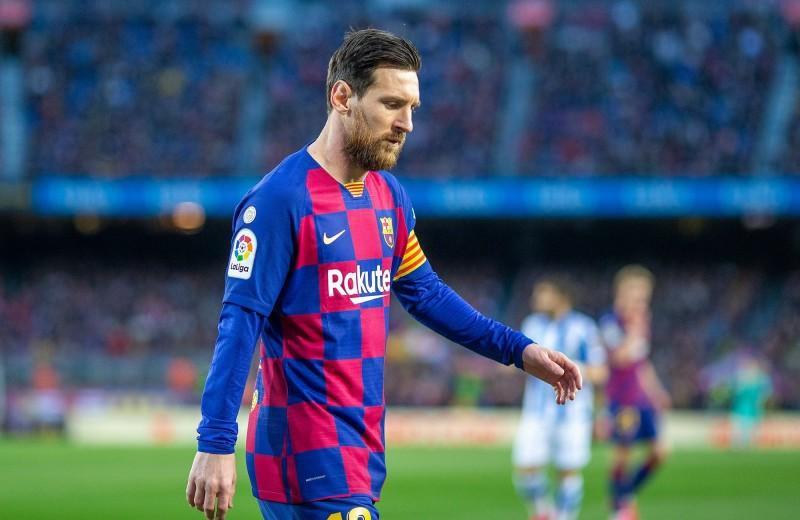 Как «Барселона» превратилась из образцового футбольного клуба в обитель скандалов