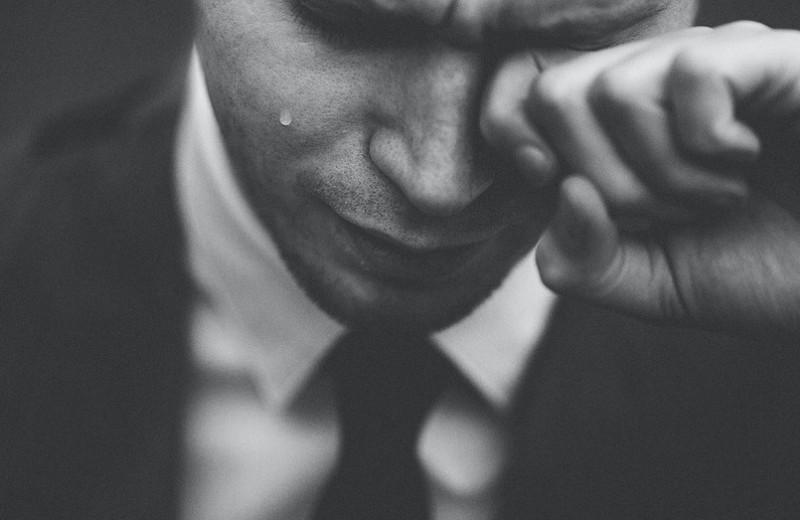 Мужчины тоже плачут: 6самых частых «разновидностей» людских слез