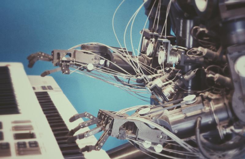 В США создали компьютер, работающий наподобие мозга — он способен вырабатывать ассоциации и «условные рефлексы»